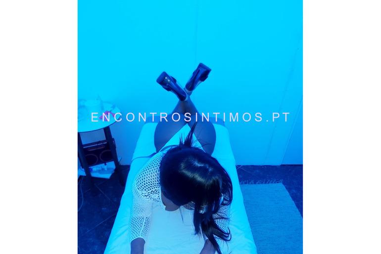 FERNANDA COM MARCAÇÕES PRÉVIAS MASSAGISTA 963227397